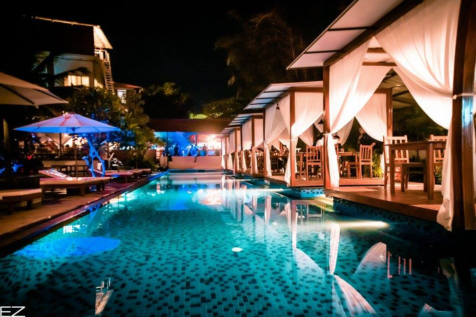 The poolside lounge at SingQ.